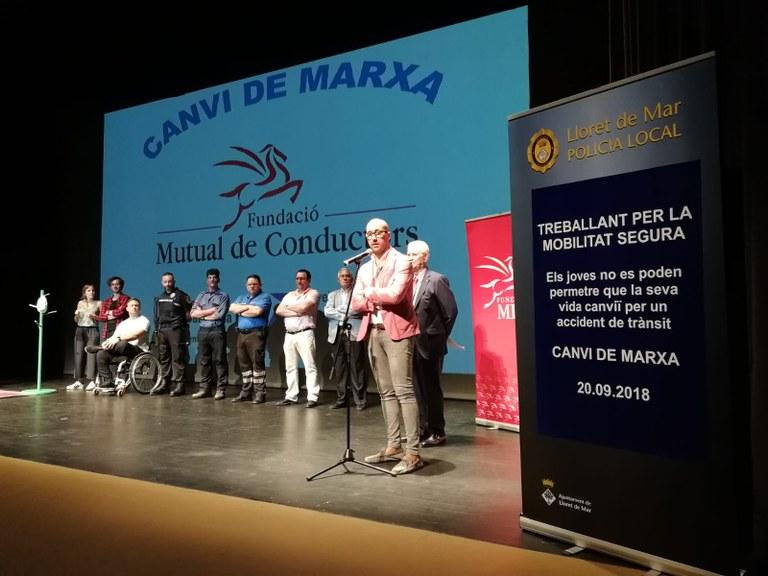 """330 estudiants de Lloret de Mar assisteixen a la representació de """"Canvi de Marxa"""""""