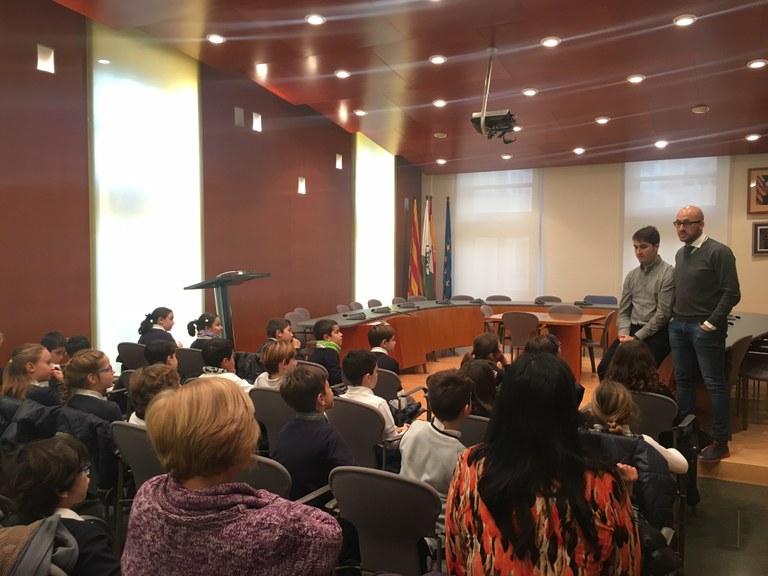 Als alumnes de tercer de primària de les escoles de Lloret de Mar coneixen el seu Ajuntament