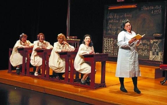 """Aquest cap de setmana comença la temporada de teatre a Lloret amb """"Florido Pensil. Niñas"""""""