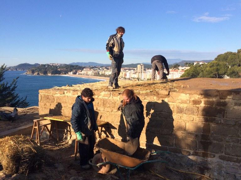 L' Ajuntament de Lloret realitza la reconstrucció arqueològica d'una casa ibera al jaciment del Turó Rodó
