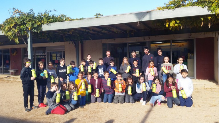 Instituts de Blanes, Lloret i Tordera se sumen al reciclatge d'oli domèstic amb ASPRONIS
