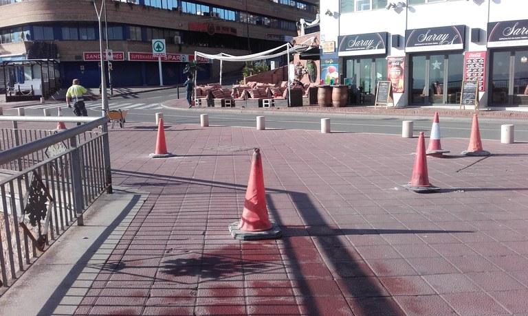 L'Ajuntament du a terme treballs de millora i reparació del paviment en voreres de diferents carrers del nucli urbà de Lloret