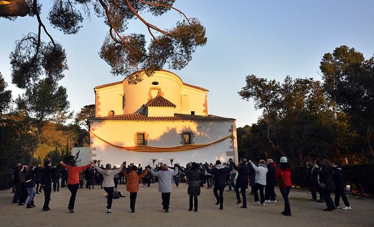 L'Obreria de Santa Cristina de Lloret convida a estrenar el 2018 ballant sardanes