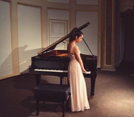 La pianista Emma Stratton obre el cicle Nits de Piano organitzat pels Amics de la Música de Lloret