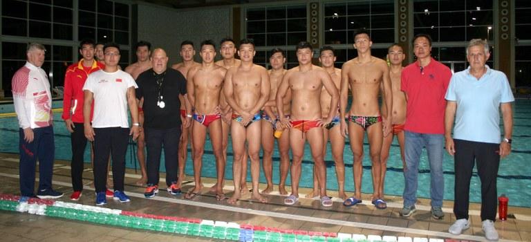 La selecció olímpica xinesa de waterpolo entrena a Lloret de Mar