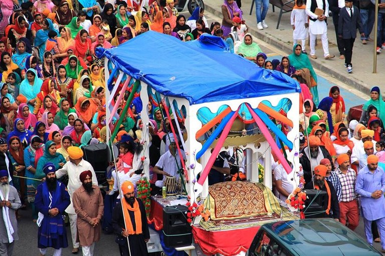 Lloret acull la cercavila Gurudwara-Vaisakhi
