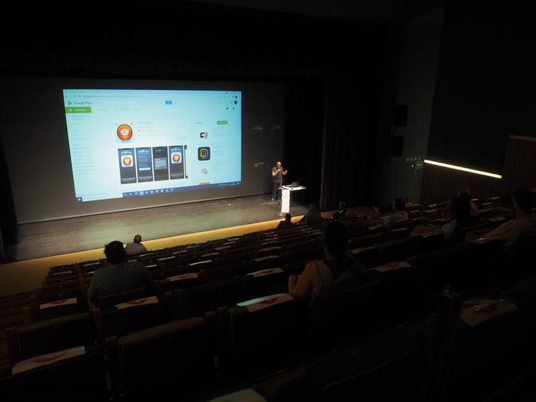Lloret de Mar incorpora una aplicació que permet als comerciants i restauradors connectar ràpidament amb la Policia Local en cas de robatoris o situacions d'inseguretat