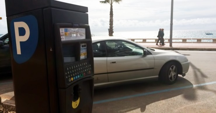 Lloret inicia l'estacionament regulat de pagament a les zones de platges i turístiques