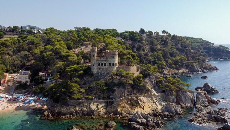 Prop de 2.000 persones han visitat per dins el Castell d'en Plaja de Lloret