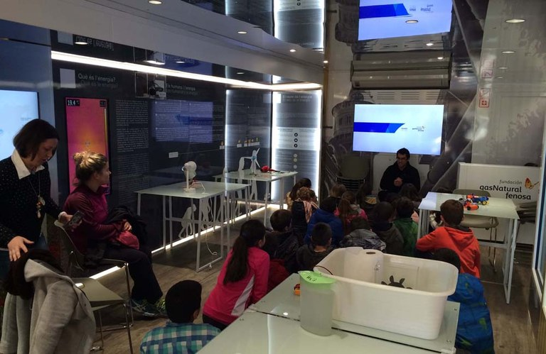 """Tres-cents escolars de Lloret visitaran avui l'exposició mòbil """"ENERGYTRUCK"""""""