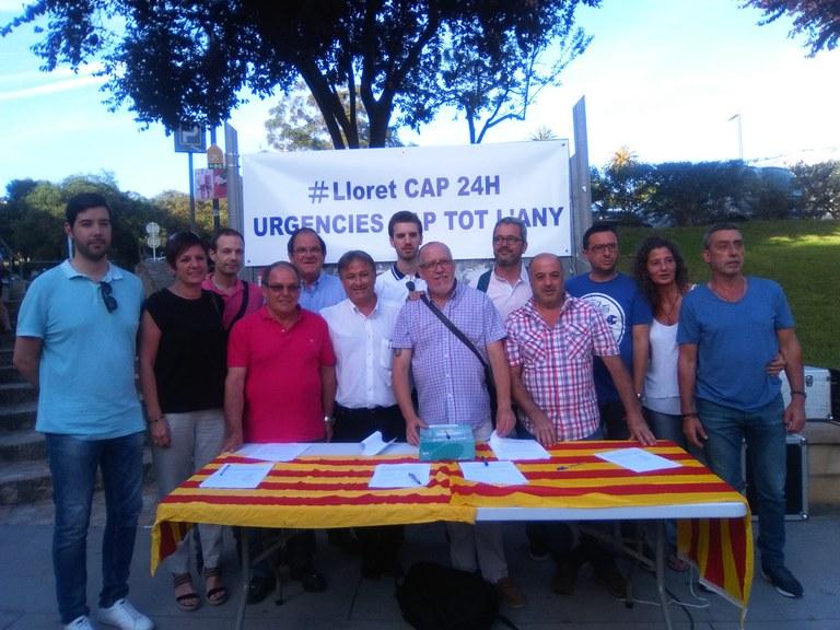 Un acte festiu amb la participació de prop de 200 persones va servir ahir per reclamar l'obertura de les urgències nocturnes dels CAP tot l'any